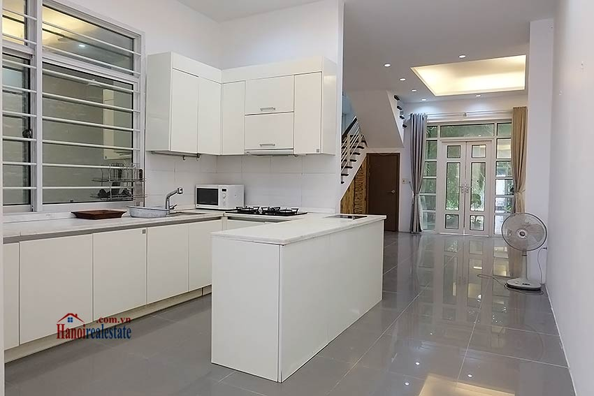 Modern house to let in Tay Ho Westlake with garden and top floor terrace 4
