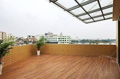 Modern lake view apartment to rent in Yen Phu village with very big balcony
