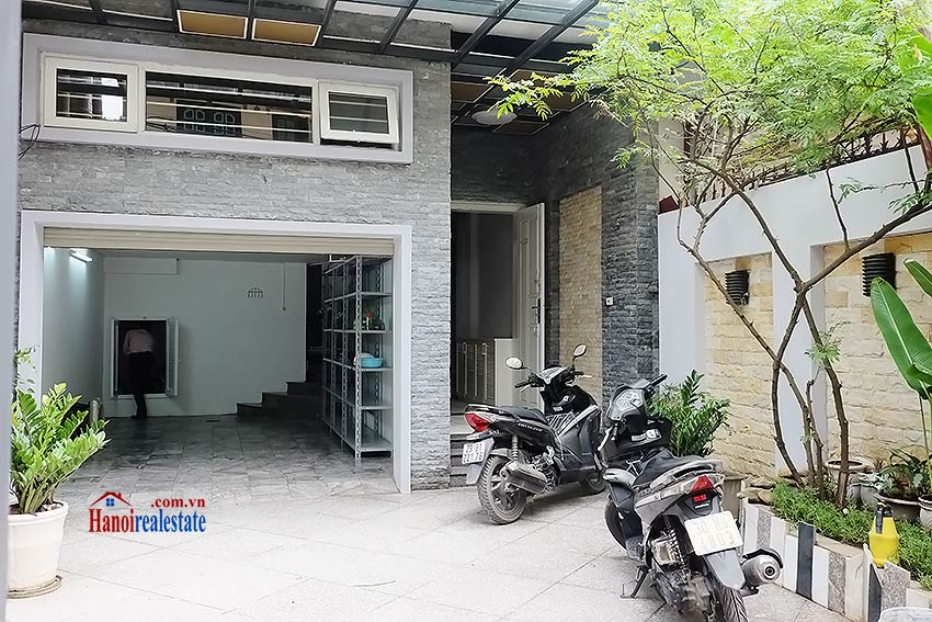 Modern unfurnished 03 bedroom house to let in Tay Ho, Hanoi, Vietnam 1