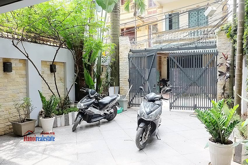Modern unfurnished 03 bedroom house to let in Tay Ho, Hanoi, Vietnam 2