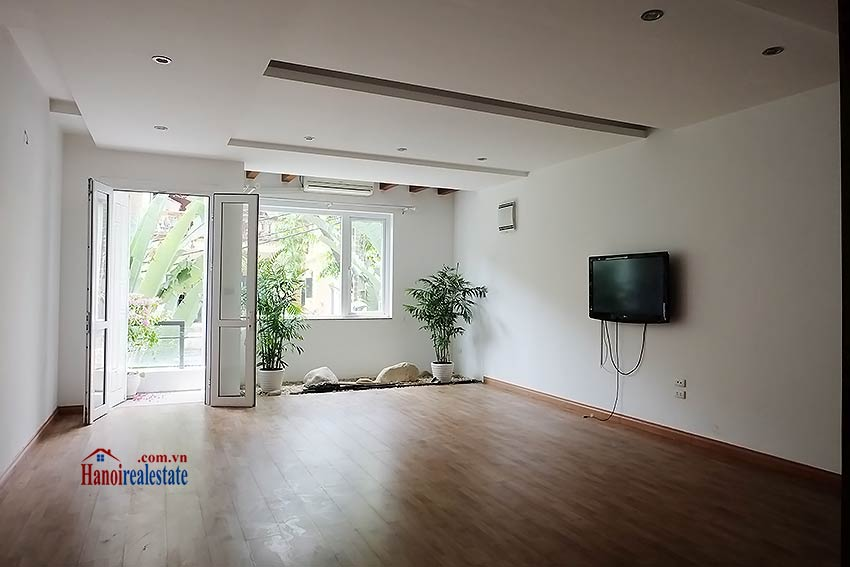 Modern unfurnished 03 bedroom house to let in Tay Ho, Hanoi, Vietnam 4