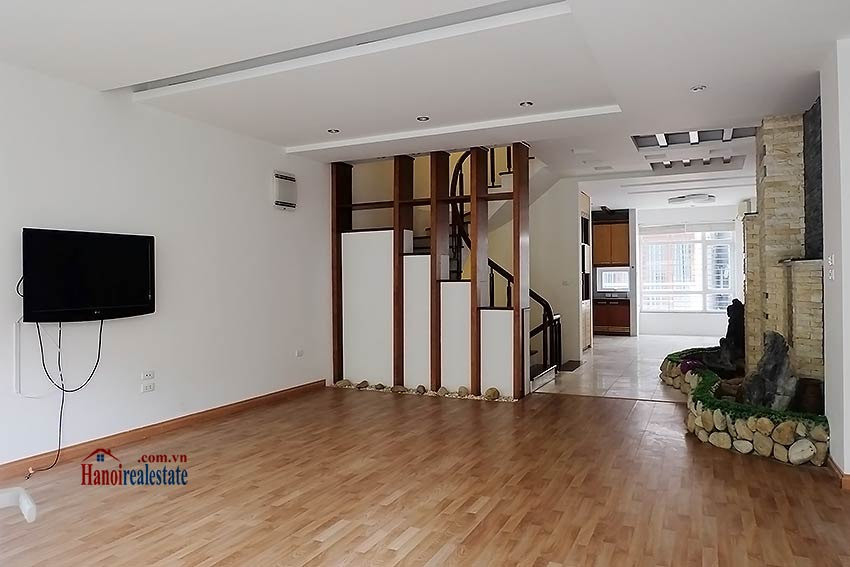 Modern unfurnished 03 bedroom house to let in Tay Ho, Hanoi, Vietnam 5