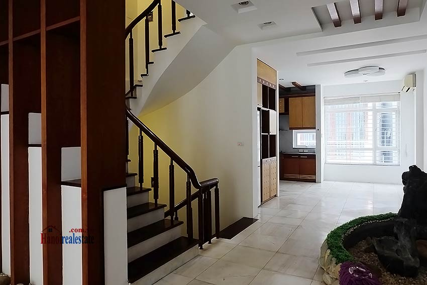 Modern unfurnished 03 bedroom house to let in Tay Ho, Hanoi, Vietnam 6