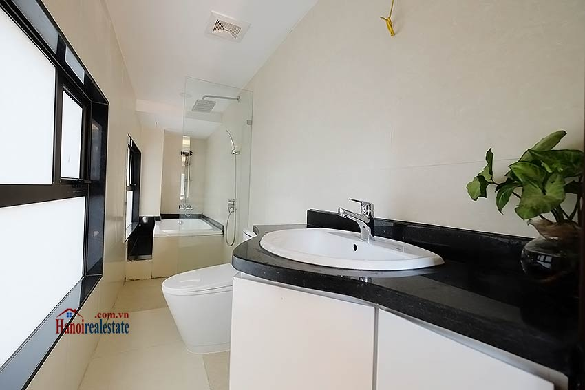 Modern-2 bedroom apartment to rent on Ly Thuong Kiet, Hoan Kiem 4