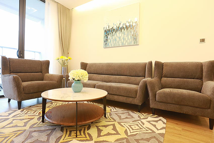 Modernly furnished apartment on high floor of M3 Tower, Metropolis 2