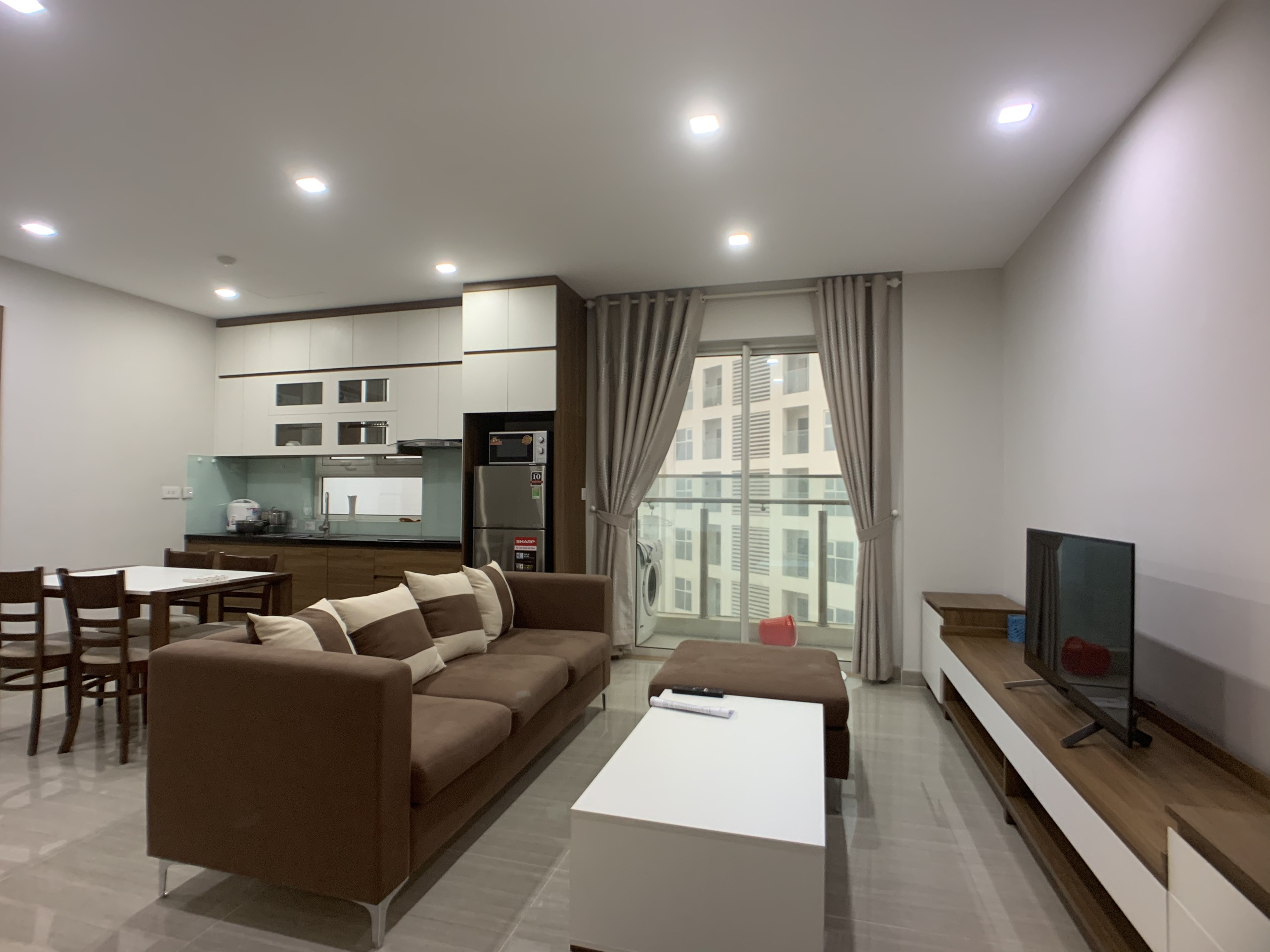 New Ciputra Apartment in L4 Block: 02 bedrooms with modern furniture, high floor