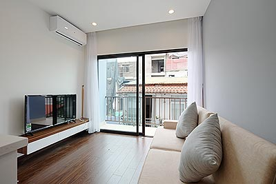 Nice 01BR apartrment with balcony for rent in Tu Hoa street, Westlake