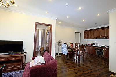Nice 02 bedroom apartment in Tay Ho, short walking to Water Park