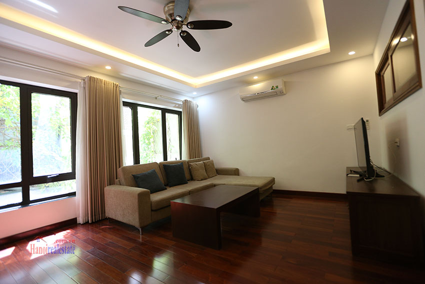 Nice 02 bedroom apartment on Tay Ho Road, near West Lake 2