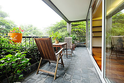 Nice balcony apartment in Westlake area, facing to the lake