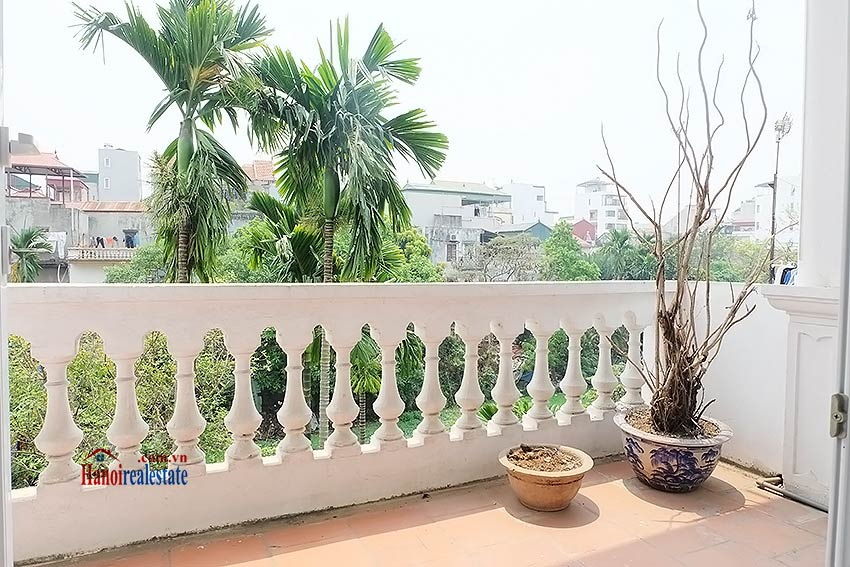 Nice garden, 04BRs house on Dang Thai Mai, partly furnished 15