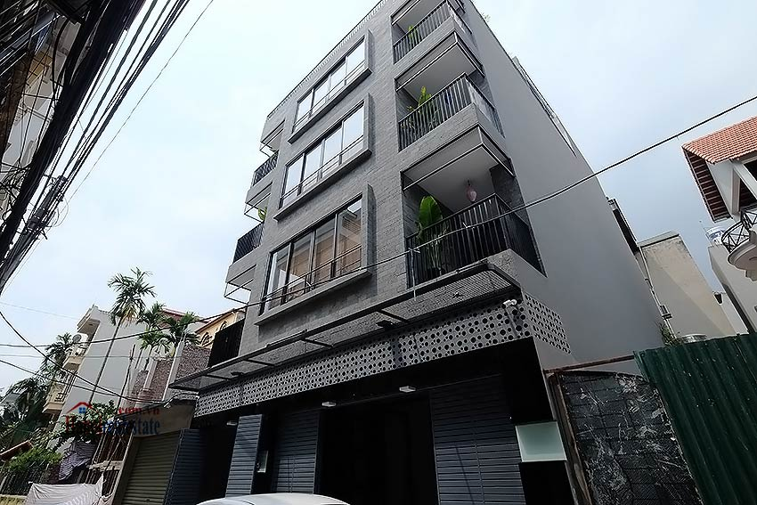 Nice terrace studio apartment in Tay Ho, Lac Long Quan street 13