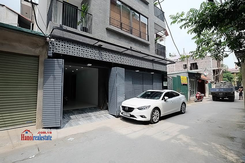 Nice terrace studio apartment in Tay Ho, Lac Long Quan street 14