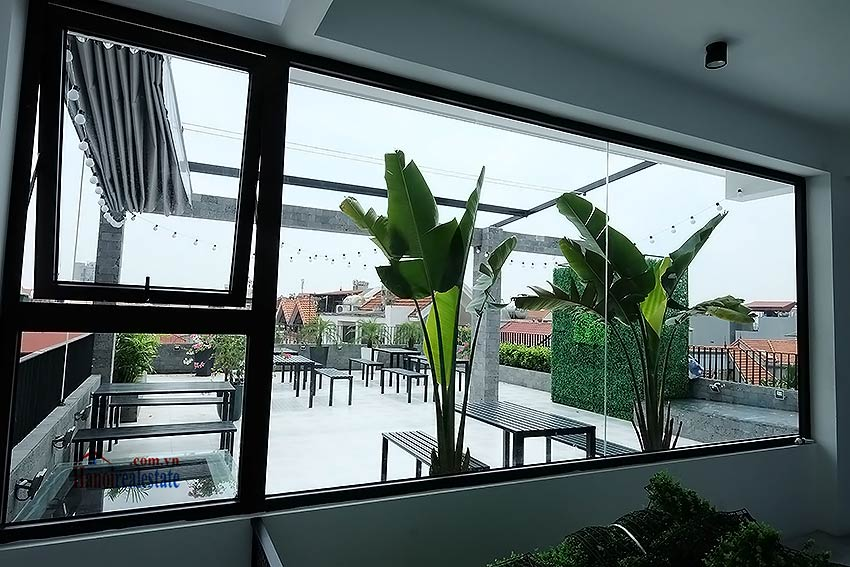 Nice terrace studio apartment in Tay Ho, Lac Long Quan street 15