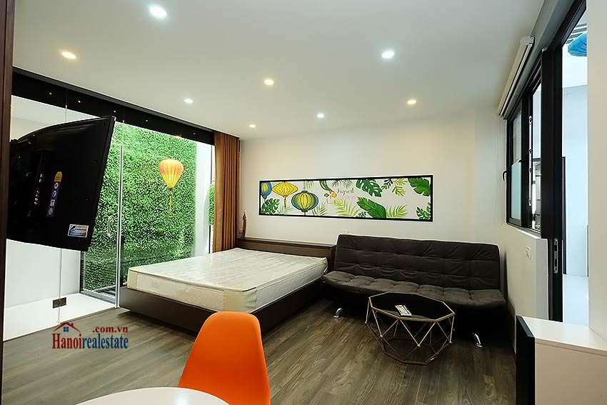 Nice terrace studio apartment in Tay Ho, Lac Long Quan street 2