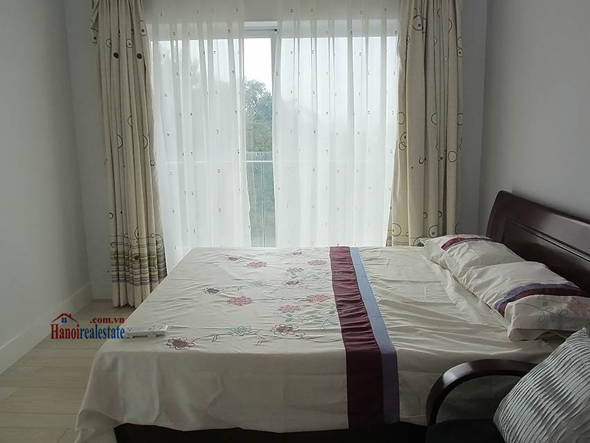 One bedroom apartment, park view at Golden Westlake 10