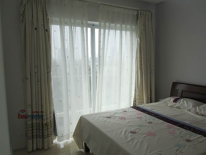 One bedroom apartment, park view at Golden Westlake 11