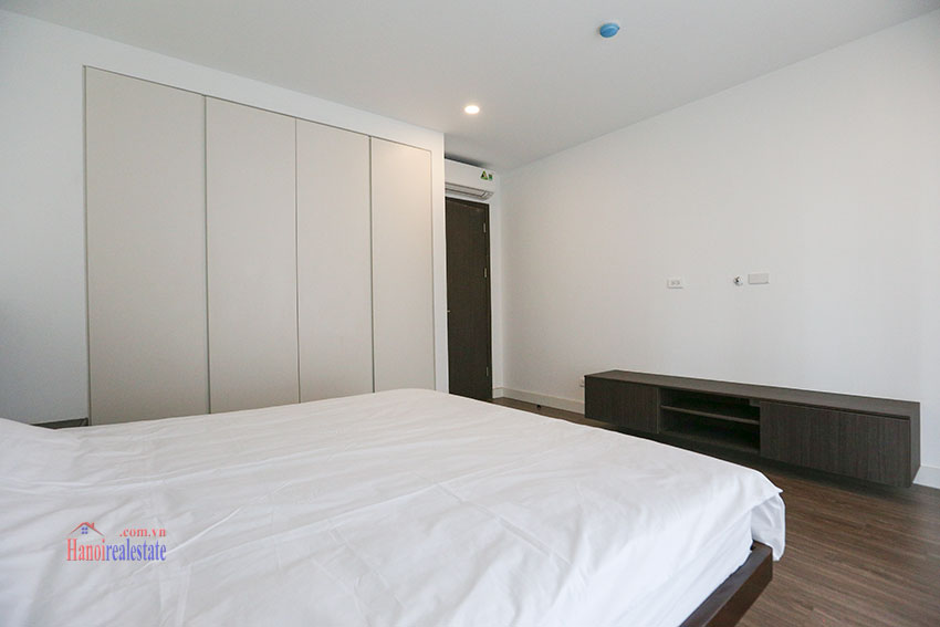 Open plan 02BRs apartment with Quang Ba Lake View on To Ngoc Van 20