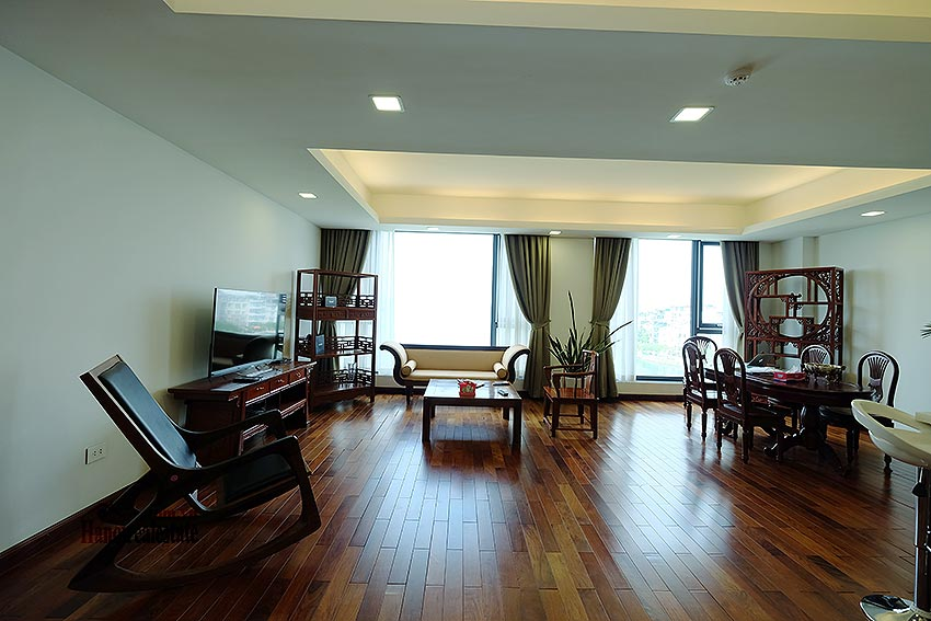 Paranoma view of Westlake 04BRs apartment in Xuan Dieu, Tay Ho, spacious balcony 3