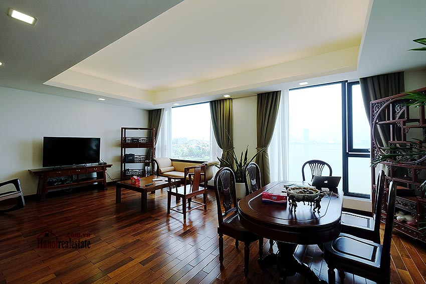 Paranoma view of Westlake 04BRs apartment in Xuan Dieu, Tay Ho, spacious balcony 5