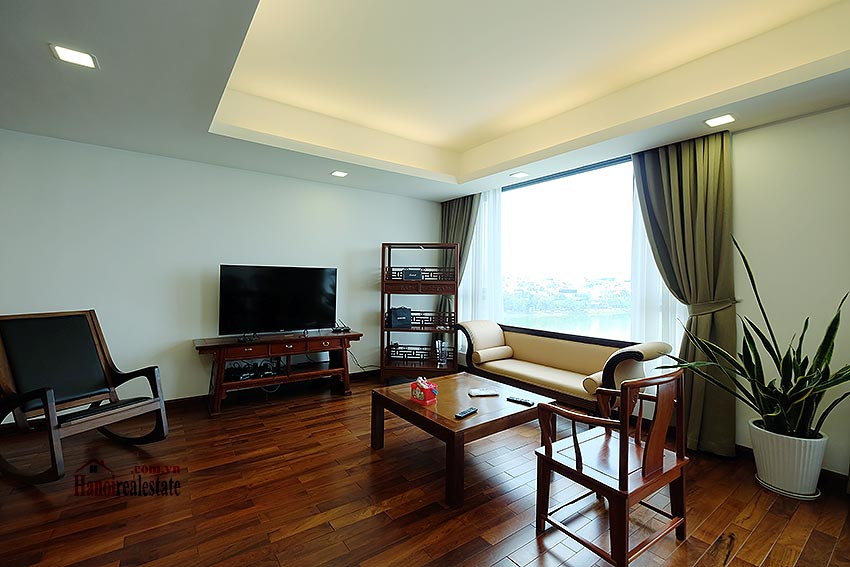 Paranoma view of Westlake 04BRs apartment in Xuan Dieu, Tay Ho, spacious balcony 6