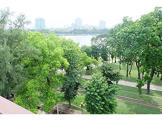 Park view & Balcony, Furnished 02 BRs apartment for lease in Hai Ba Trung, Hanoi