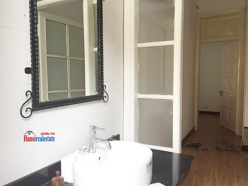 Partly furnished house for rent in Hai Ba Trung, 03BRs and big terrace 10