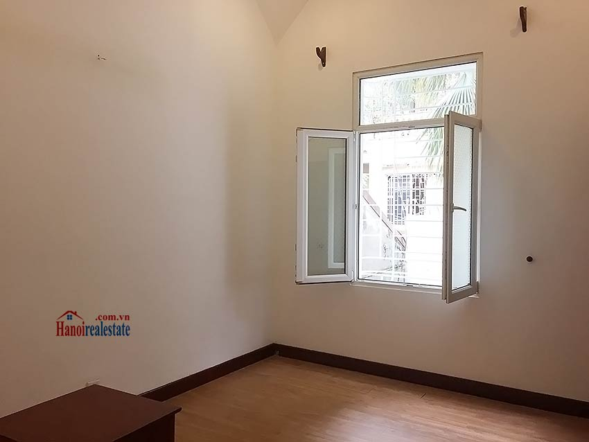 Partly furnished house for rent in Hai Ba Trung, 03BRs and big terrace 16