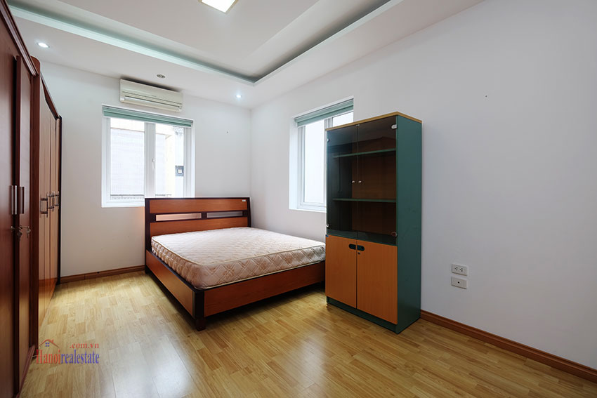 Partly furnished house with front courtyard in Tay Ho to rent 16