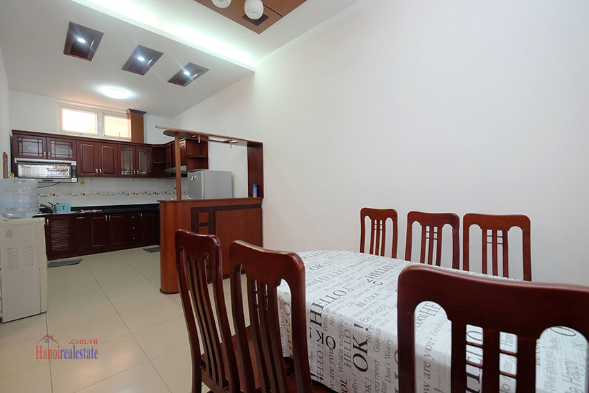 Partly furnished house with front courtyard in Tay Ho to rent 6