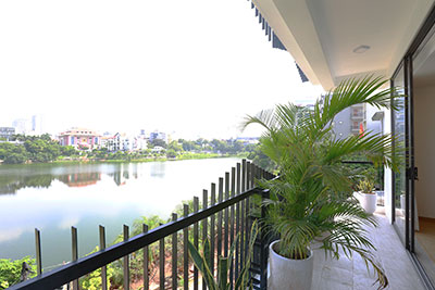 Peaceful 03BRs apartment with a romantic lake view on Au Co, brand new