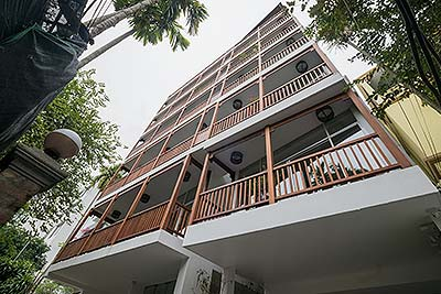 Peaceful apartment in Xom Chua - Tay Ho with green view, 04 bedrooms