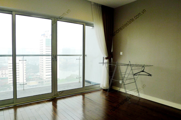 Perfect 3 Bedroom Furnished Apartment for rent in Lancaster Hanoi 27