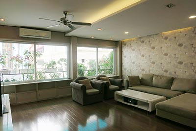 Private terrace, duplex 03 bedroom apartment on To Ngoc Van for rent