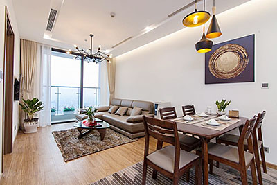 Quiet and high floor apartment at Vinhomes Metropolis, view to Giang Vo Lake