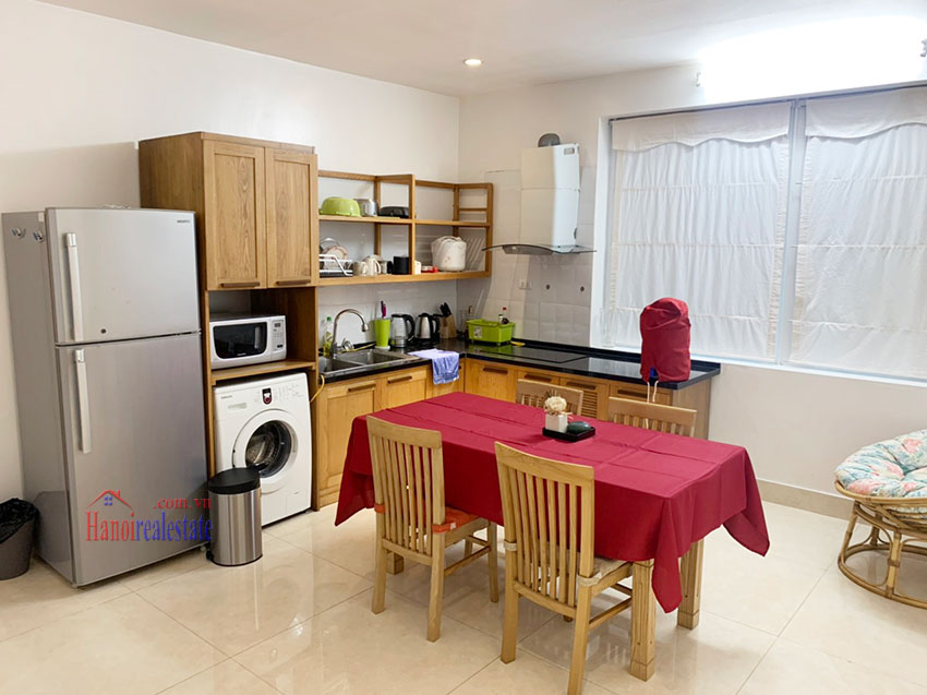 Quiet, nice one bedroom apartment for rent in Thuy Khue street 4