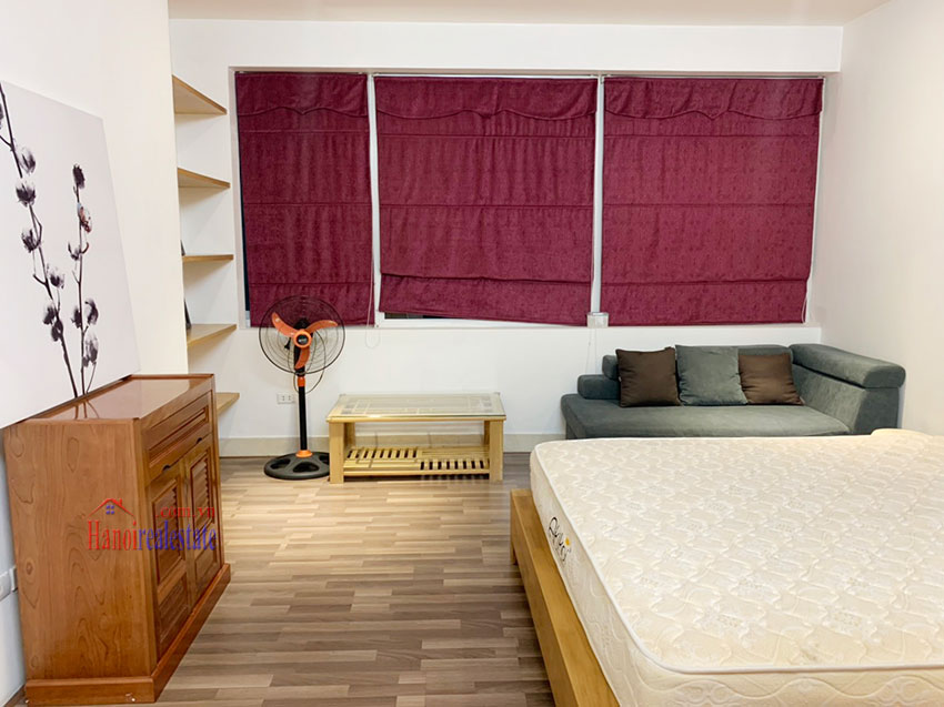 Quiet, nice one bedroom apartment for rent in Thuy Khue street 8