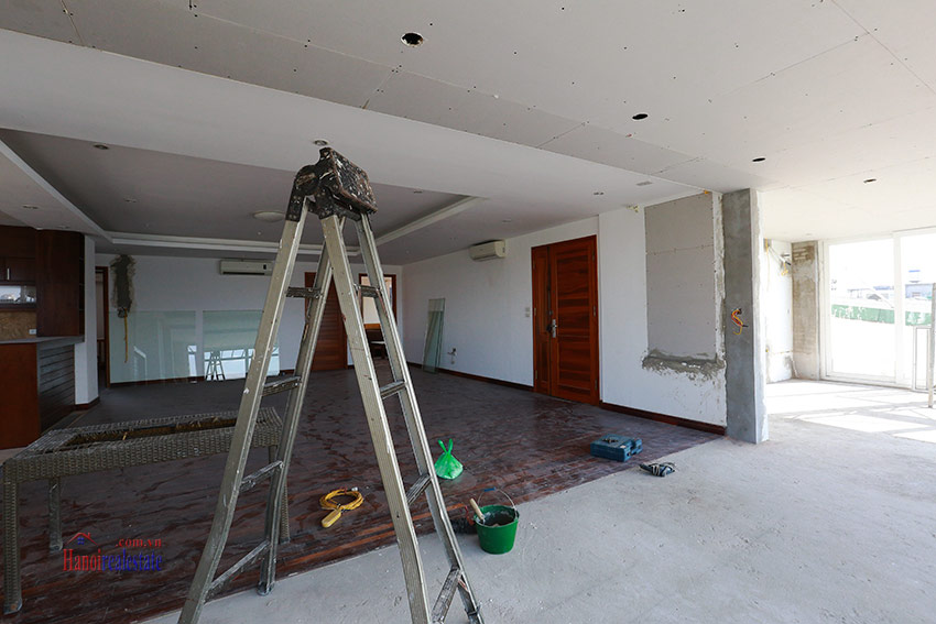 RENOVATING lake front 04BBRs apartment in Quang Khanh, nice terrace 4