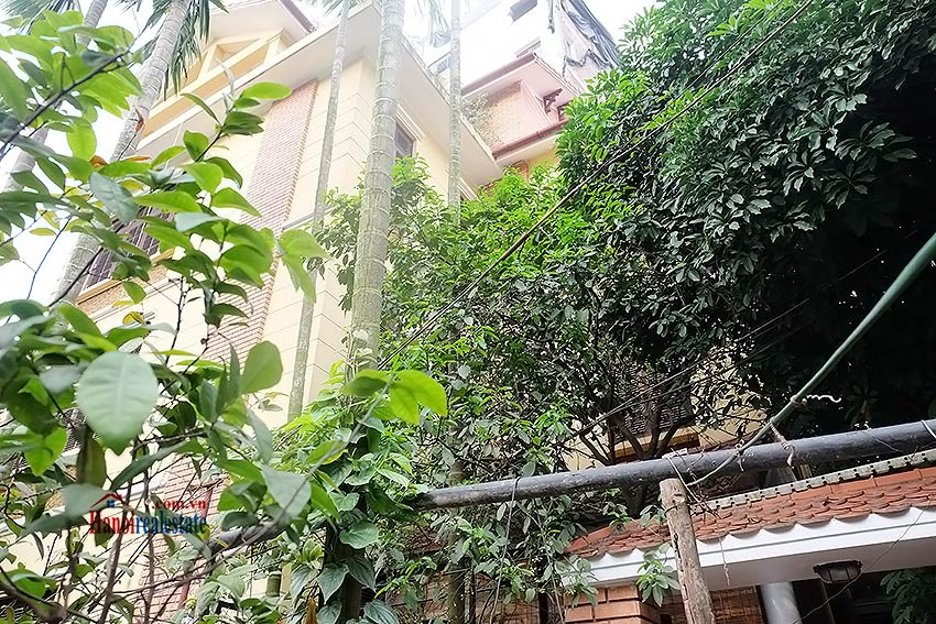 Rental 5 bedroom house on Dang Thai Mai, Tay Ho Westlake, Hanoi 1
