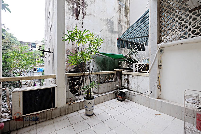 Rental furnished 2-bedroom house in Hai Ba Trung, Hanoi 9