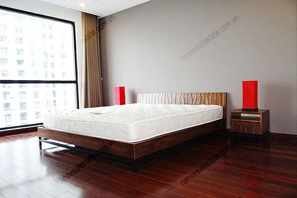 Rental Furnished 3 bedroom Exclusive Apartment in Royal city Hanoi 15