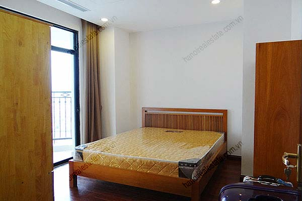 Rental Furnished 3 bedroom Exclusive Apartment in Royal city Hanoi 28