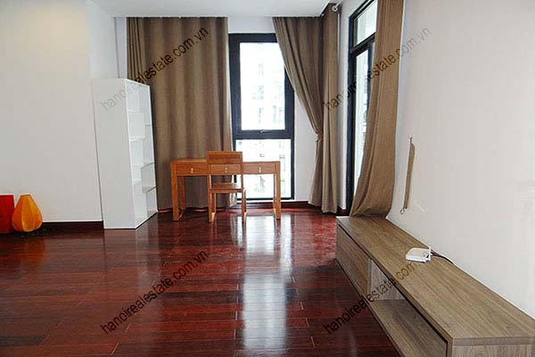 Rental Furnished 3 bedroom Exclusive Apartment in Royal city Hanoi 31