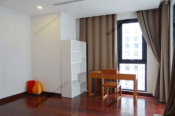 Rental Furnished 3 bedroom Exclusive Apartment in Royal city Hanoi 33