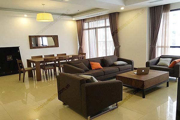 Rental Furnished 3 bedroom Exclusive Apartment in Royal city Hanoi 3