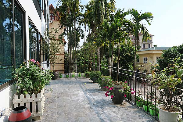 Rental New Modern 4 bedroom Apartment with Large Balcony, Pet Friendly
