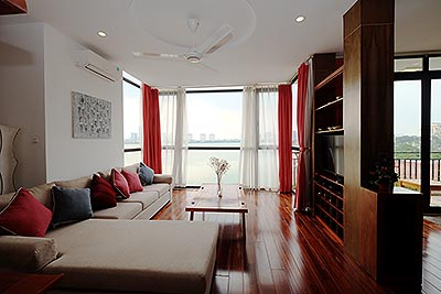 Romantic West Lake view flat in Tay Ho, 3 bedrooms, large balcony