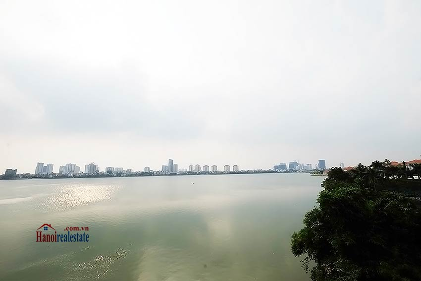 Romantic West Lake View Flat In Tay Ho  3 Bedrooms  Large Balcony