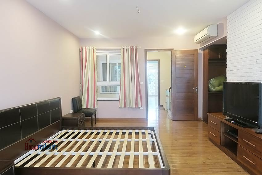 Semi furnished 03 bedroom house to let in Hai Ba Trung with nice courtyard 24