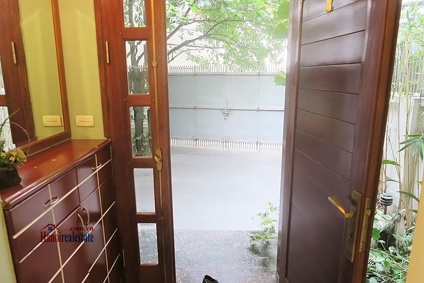 Semi furnished 03 bedroom house to let in Hai Ba Trung with nice courtyard 5